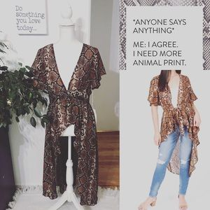 Live 4 Truth NWT snake 🐍 print duster kimono
